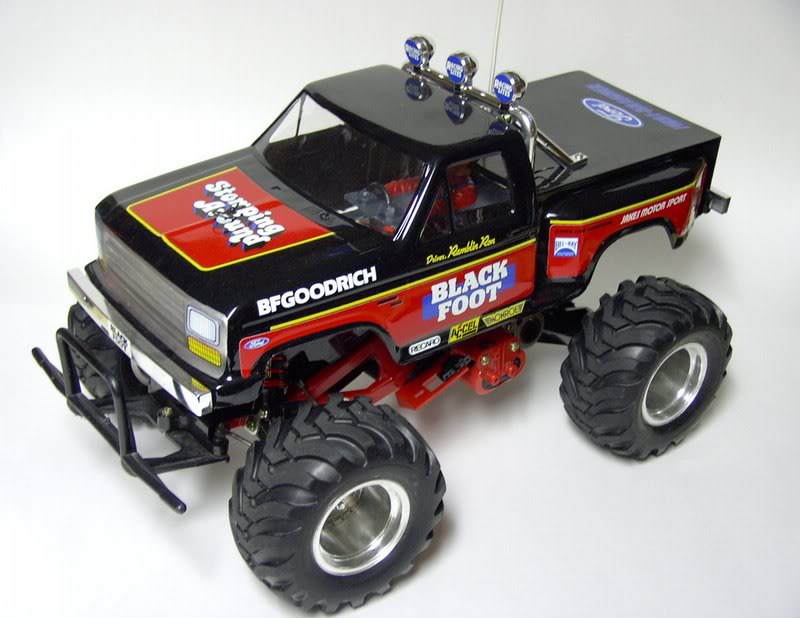 big rc semi truck kit with 5 Most Influential Trucks on 2014 5060 Ton Rotator With Jfb in addition Wordless Wednesday Raised Vs Stock Hummer H2 together with Truck Model Kiwimill News as well Truck Model Kiwimill News further Index php.