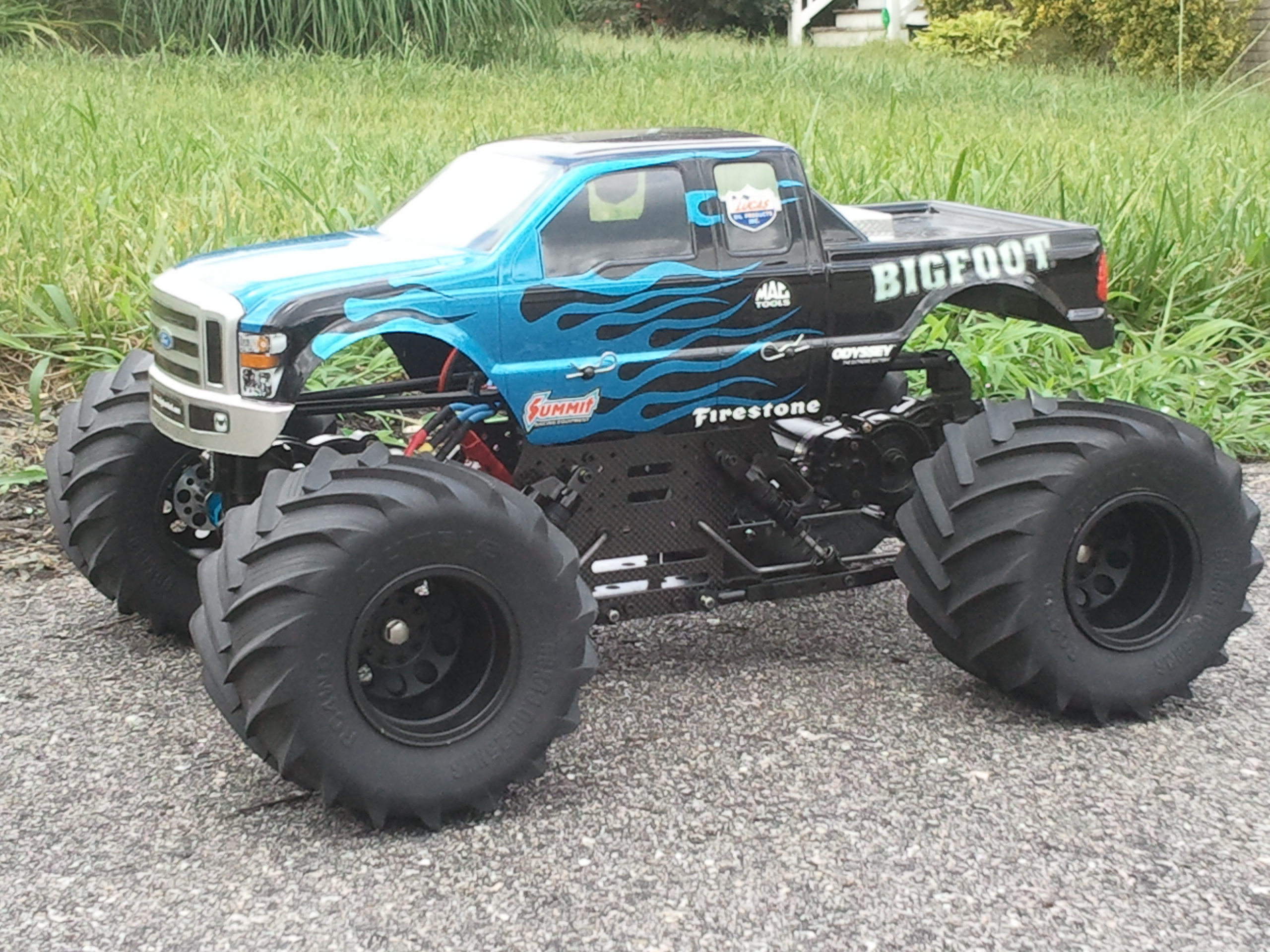 4x4 brushless rc trucks with Truck Of The Week 8122012 Tamiya Clod Buster on Showthread together with 9034391 Carbon Fiber Rustler Body further TraxxasSlash4x4FoxEdition24GHz110RTRBrushlessElectricRCTruck moreover 132056658810 additionally Traxxas X Maxx Topic.